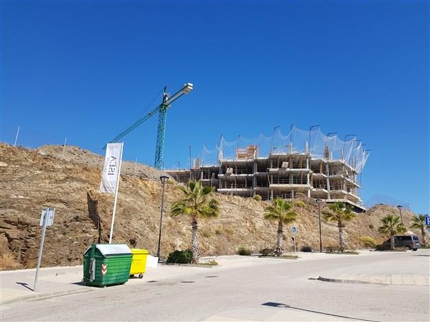Byggnation pågår - byggnadens västra sida 2019-03-12