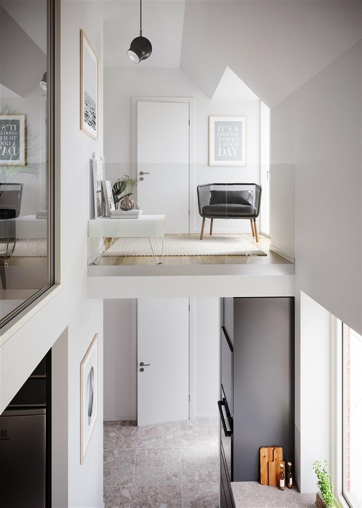 Känsla av rymd och lyx. Glasräcket, och det invändiga glaspartiet i sovrummet på andra våningen, bjuder på läcker utsikt över entréplan och kök.