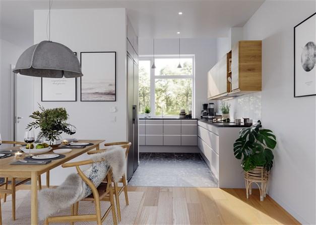 Vacker ekparkett i allrum och sovrum samt ett modernt kvalitetskök från Ballingslöv. Klinker - i ljust eller mörkt - pryder hall, kök, badrum och tvättutrymmen.