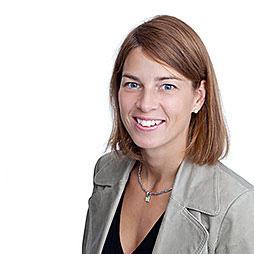 Åsa Hallberg, Fastighetsmäklare
